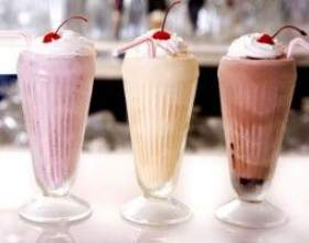 Молочні коктейлі дуже шкідливі для здоров`я! фото