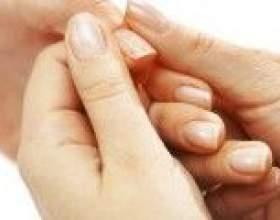 Німіють кінчики пальців на руках, причини фото