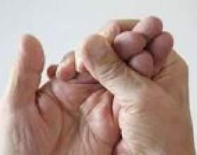 Німіють пальці і кінчики пальців на руках фото