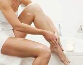 Набрякає права нога, причини і лікування фото