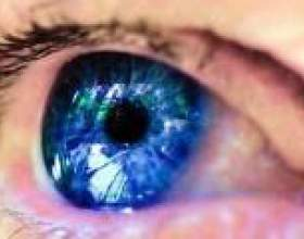 Перша в світі операція з пересадки штучно створеної сітківки ока фото