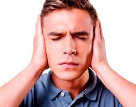 З яких причин може спостерігатися шум у вухах і голоⳠфото