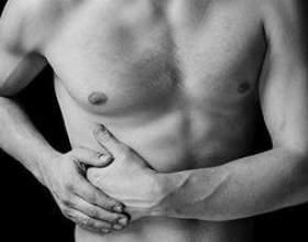 Чому болить під правим ребром? фото