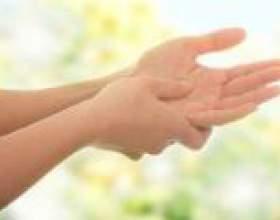 Чому німіє ліва рука? Причини фото