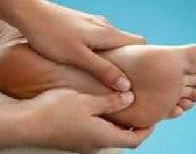 Чому німіють ступні ніг - причини фото
