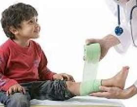 У дитини болять ноги, які причини? фото